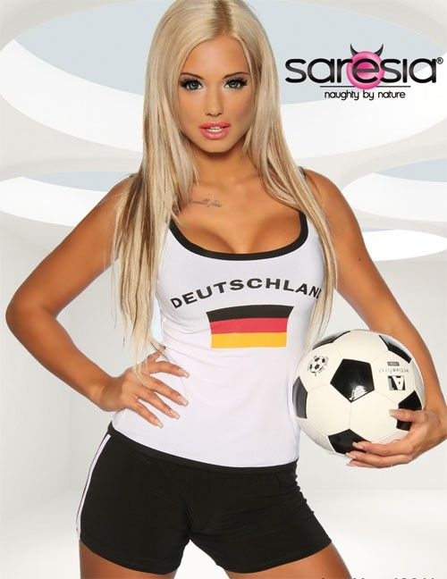 7 best sexy fussball wm 2014 images on pinterest football soccer beer girl and daughters. Black Bedroom Furniture Sets. Home Design Ideas
