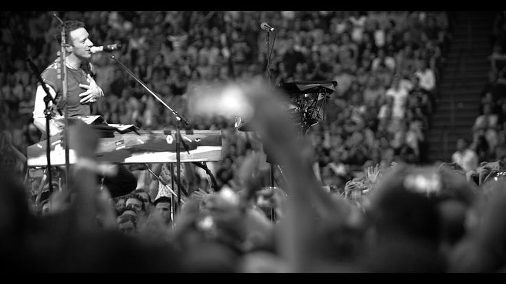 The band perform Amsterdam, from A Rush Of Blood To The Head, live at the Amsterdam ArenA on 24 June 2016. Film:…