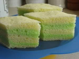 Steamed Cake - perfect for summer | Ooooh, with pandan. YUM.