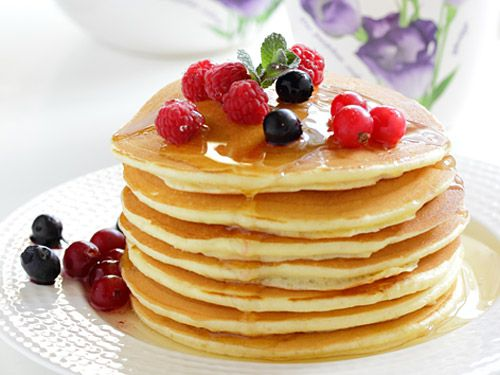 Whole Wheat Pancakes - Healthy Pancake with Fresh Berries
