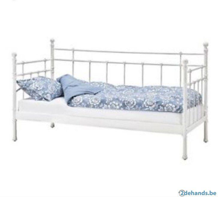 die besten 25 metallbett ikea ideen auf pinterest wei bettge ikea metall bettgestell und. Black Bedroom Furniture Sets. Home Design Ideas