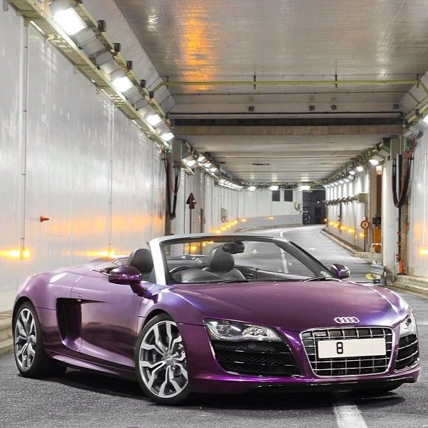 Perfect Purple Audi R8! Now that's what I'm talking about