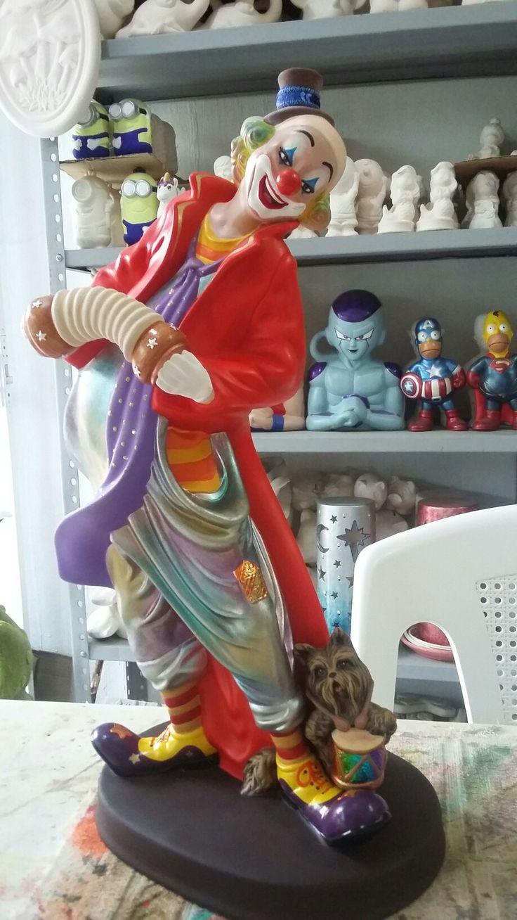 Figura decorativa de payaso en cerámica