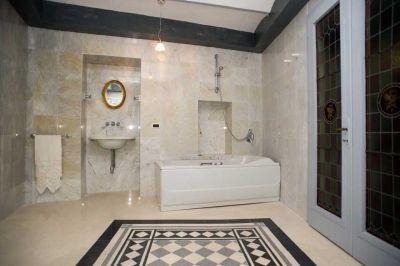 #Bathroom with #Jacuzzi in #ArtNouveau style suite / #Bagno con vasca #idromassaggio #Jacuzzi in suite Liberty