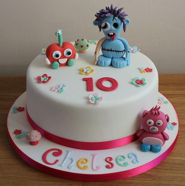 Moshi Monsters cake, so simple but lovely