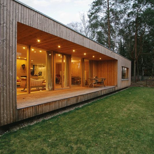 Modernes holzhaus bungalow for Holzcontainer haus