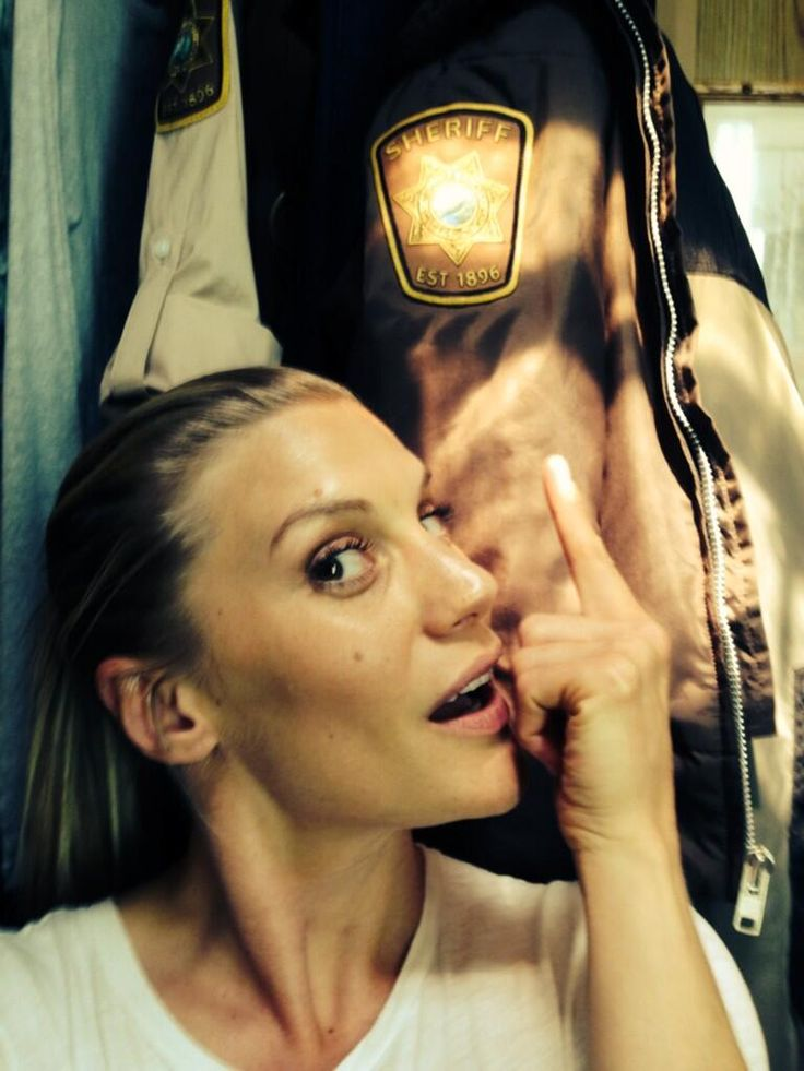 Katee Sackhoff Getting suited  booted....#Longmire