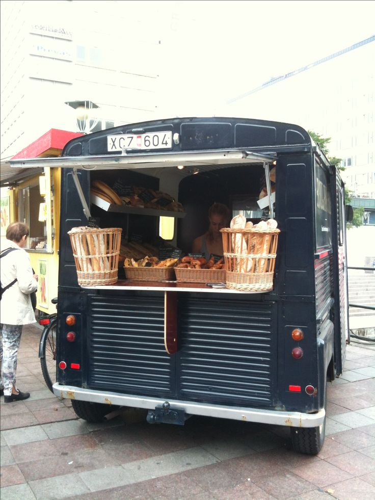 Ideas for food carts and stalls on wheels  ||| Visual Merchandising + Creative Direction for Small Business ||| www.sarahquinn.com.au