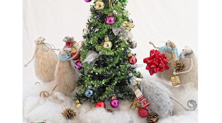 Вы боитесь крыс? Вы уверены? Как только вы увидите этих милых пушистых созданий, забудете о этом! Чудесные милые создания несут праздничное настроение и до мурашек приятны на ощупь. Крысота же какая!