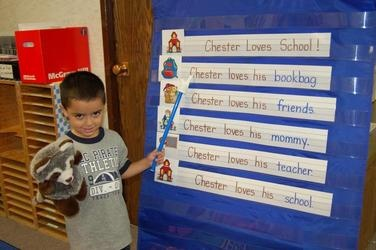 pocket chart to go with the kissing hand and lots of other kissing hand activities. Love the kissing hand song.