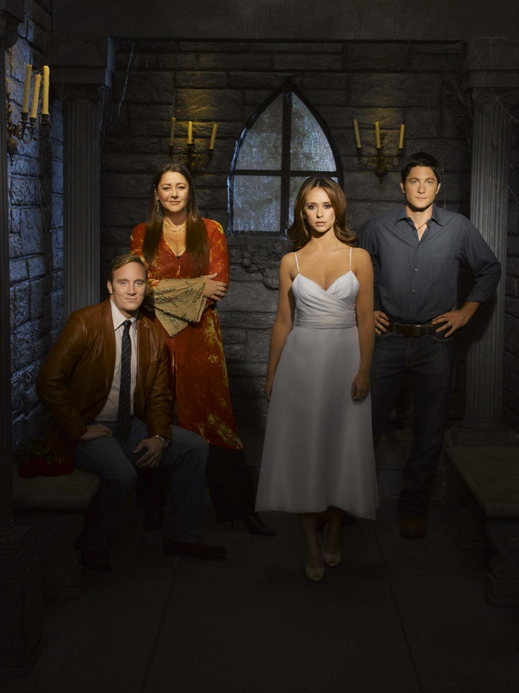 GHOST WHISPERER - Great cast, only missing Ned. And Andrea, wish they kept her as a regular