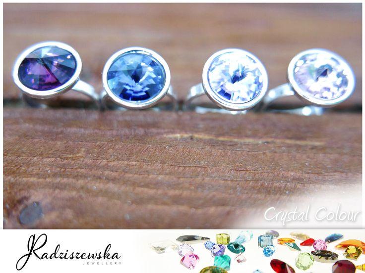 Poznałyście już nasz bransoletki czas na pierścionki z kryształami Swarovskiego. Delikatne odcienie kryształów dodają oryginalności i lekkości casual-owym stylizacjom. Lubisz?