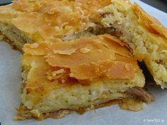 Η γιαννιώτικη κοτόπιτα της κυρίας Αλκινόης είναι ζουμερή και γλυκιά γιατί το κρεμμύδι αγκαλιάζει το ρύζι και το κρατά μαλακό. Ό,τι καλύτερο έχω δοκιμάσει!