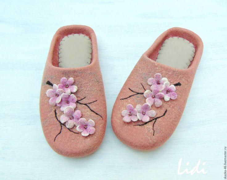 Купить Валяные тапочки Сакура, домашние тапки из шерсти - комбинированный, Персиковый цвет, розовый цвет