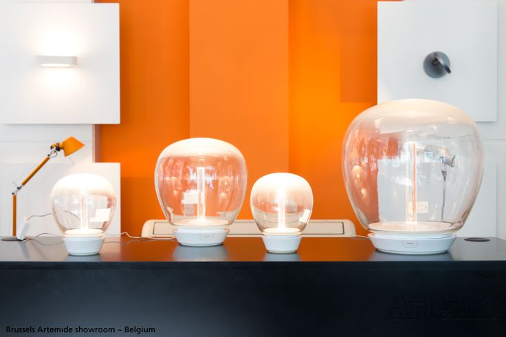 Our Belgium showroom decked out in autumn colors, for energy and stimulation: Orange ! Foreground, various #Empatia table lamps ► http://bit.ly/Empatia_T by Carlotta de Bevilacqua & Paola Monaco di Arianello Orange #Tolomeo Micro ► http://bit.ly/1xqn3Bs by Michele De Lucchi & Giancarlo Fassina In the back, the #Demetra Faretto ► http://bit.ly/1k7gm49 by Naoto Fukasawa