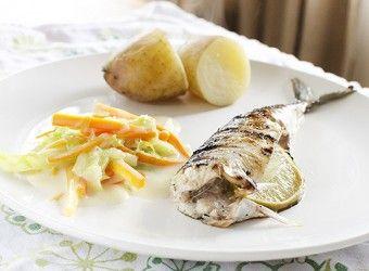 Grillet makrell med kålstuing | Fru Timian