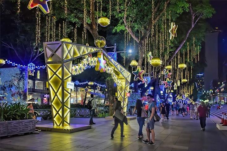 Christmas Lightup in Orchard Road. It may be tropical here all year round but…