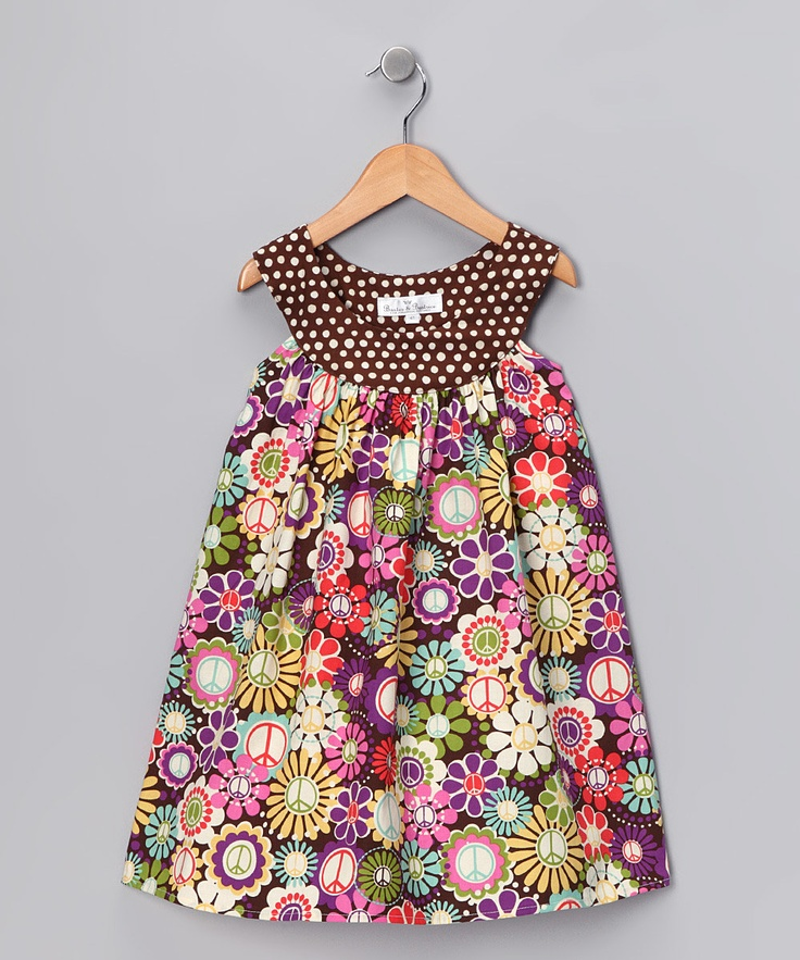 Circle collar dress, I bet this would be really easy to sew.