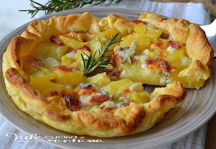 Torta salata con patate gorgonzola e pancetta una ricetta facile veloce economica e molto sfiziosa, ideale come piatto unico oppure per antipasti buffet