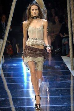 Dolce & Gabbana Spring 2005 Ready-to-Wear Collection Photos - Vogue