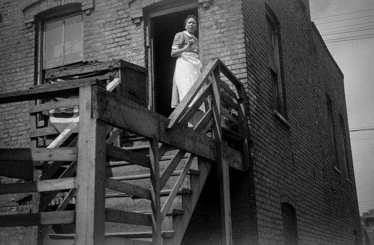 """Entre 1915 e 1960, mais de 5 milhões de afro-americanos migraram do sul dos EUA para o norte, num fenômeno que ficou conhecido como """"A Grande Migração"""". Segundo historiadores, ela aconteceu em dois períodos, sendo que o segundo se deu após a Grande Depressão, em 1929. E lá por 1940, centenas de afro-americanos migraram para Chicago, qu..."""
