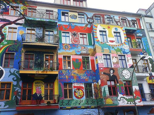 berlin friedrichshain street art berlin in 2019 stra enkunst stadt kunst. Black Bedroom Furniture Sets. Home Design Ideas