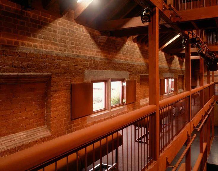 nowoczesna-STODOLA-The-North-Wall-Haworth-Tompkins-Architects-07
