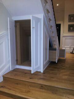 Under-the-stairs-storage.jpg 240×320 pixels
