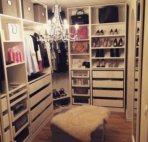 Best 25 Vanity In Closet Ideas On Pinterest: 25+ Best Ideas About Vanity In Closet On Pinterest