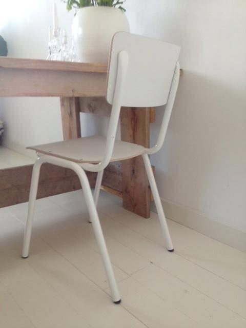 Retro schoolstoelen eetkamerstoelen Lyceum wit : http://link.marktplaats.nl/m915735471