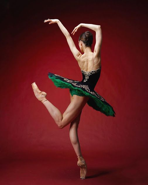 <<Anna Ol (Het Nationale Ballet / Dutch National Ballet) # Photo © Darian Volkova>>