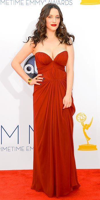 Ugh, Kat Dennings, flawless as usual. #girlcrush #emmys