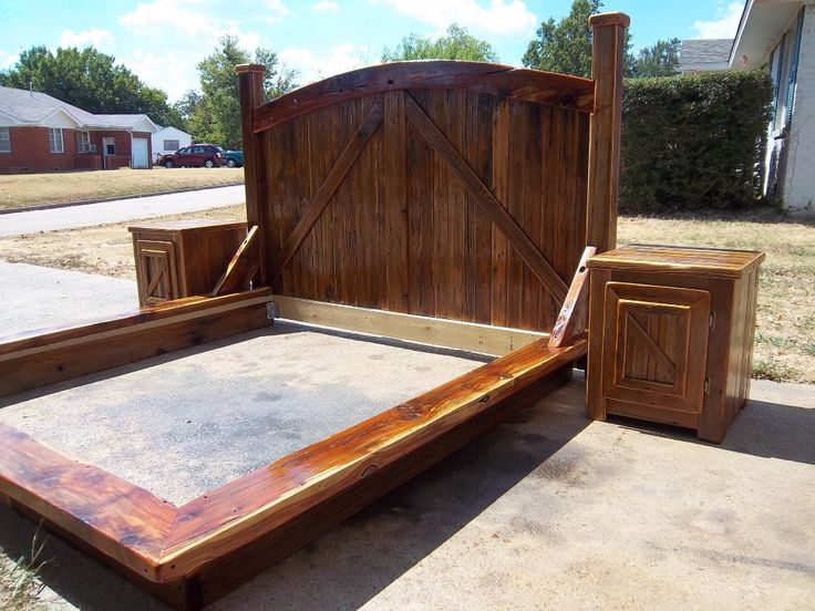 Image of rustic wood platform bed crafting projects for Rustic bed plans