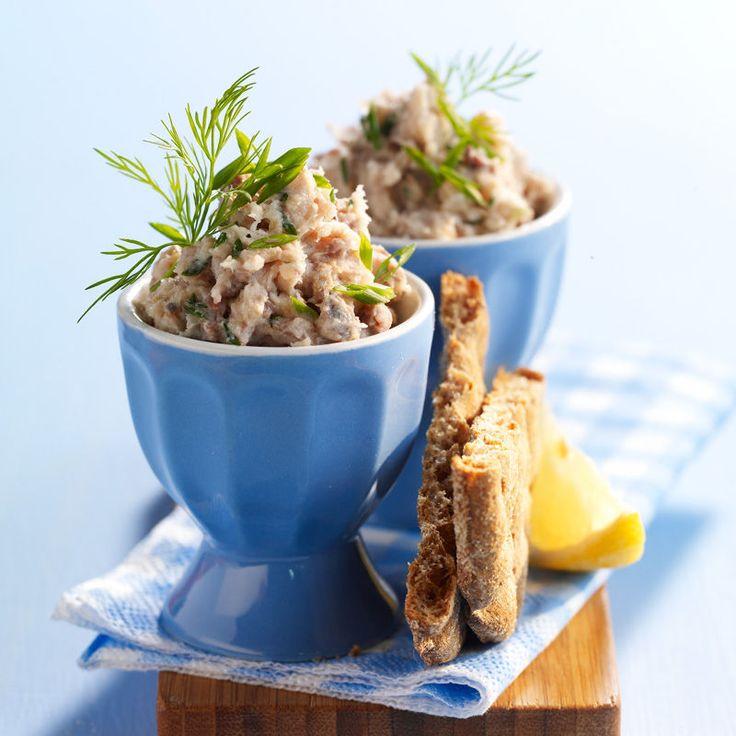 Découvrez la recette Rillettes de maquereau fumé sur cuisineactuelle.fr.