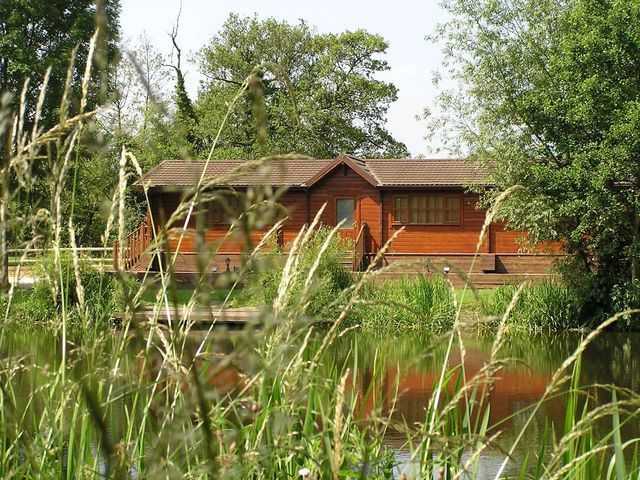 This is Waterside Lodge in Staffordshire. This charming holiday lodge has fishing available free of charge, sleeps 6 people and is perfect for easy access to Alton Towers theme park. Weekly prices are from just £550.00.