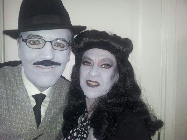 Grey scale make up. Black and white movie artist costume idea. Carnaval.