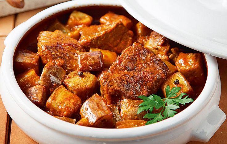 Αυτό είναι ένα φαγητό που συνηθίζεται σε πολλά μέρη, αλλά με τη γλυκιά τσακώνικη μελιτζάνα είναι άλλο πράγμα.