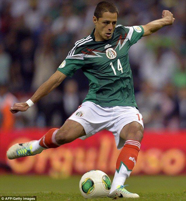 Javier Hernandez con la maglia della sua nazionale (Messico)