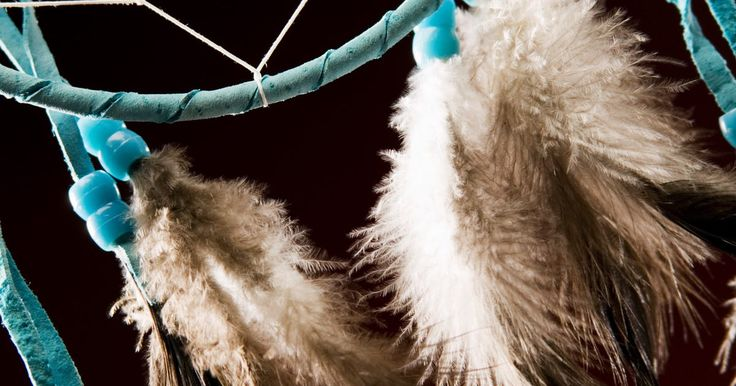 How to Make a Dreamcatcher With Popsicle Sticks