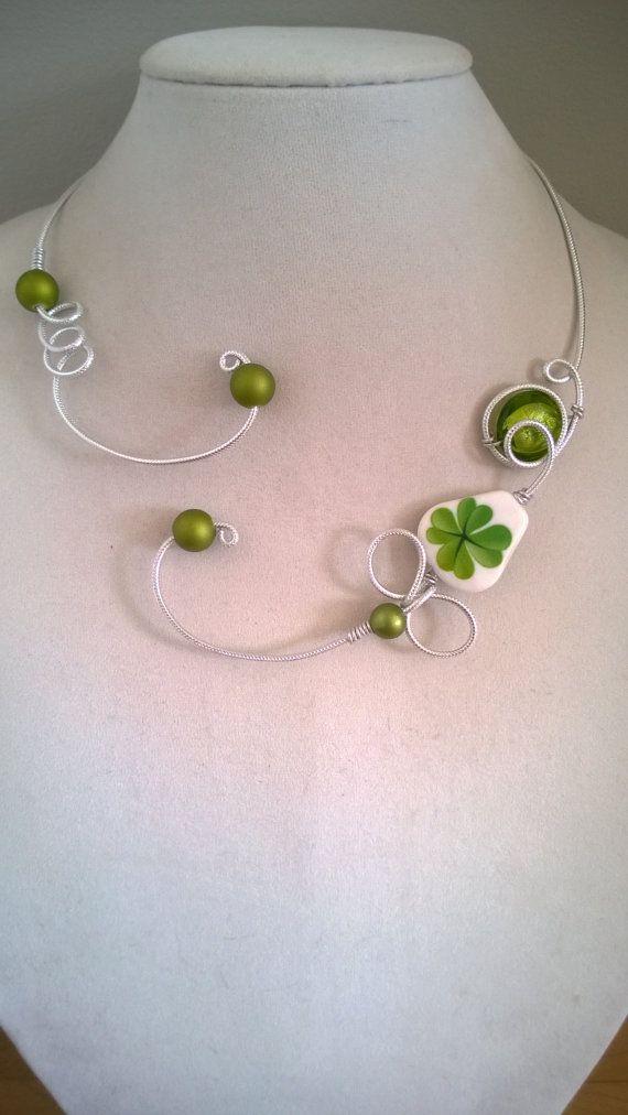 Green jewelry Green necklace Good luck by LesBijouxLibellule