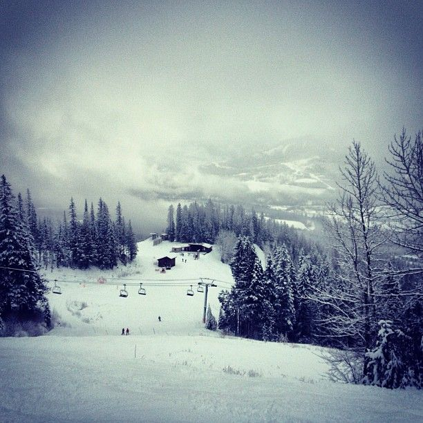Loving a good day of boarding in the mountains  #fernie #bc #snowboarding #snowy #mountains #goodday #goodtime #friend #daymade