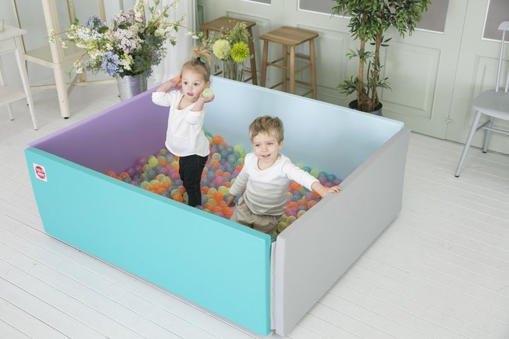 Foldaway Bumpermat / Soft Playpen - Scandia This Bumpermat can be zipped up to form a spacious playpen, perfect for helping babies along their developmental milestones from tummy time to taking their first steps. Each side of the playpen can be opened individually to create a flexible play space. Also a ball pool for toddlers, a comfortable travel cot / sleepover mattress for both little and big visitors, etc. Durable, wipe clean, lovely pastel colours.
