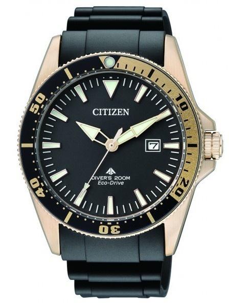 Montre Citizen eco-drive pour homme, modèle de plongée professionnel, résistance à l'eau 200 mètres, lunette rotative et bracelet caoutchouc.