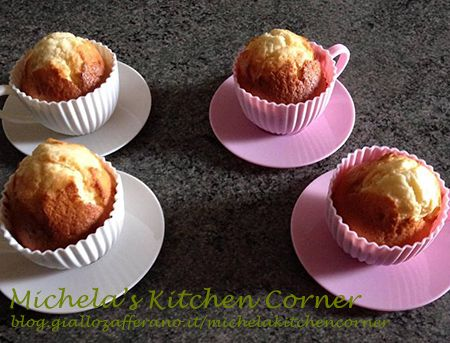 Muffins allo yogurt greco e limone