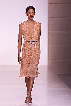 Valentino Spring 2001 Ready-to-Wear Fashion Show - Valentino Garavani, Raica
