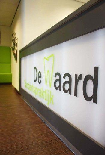 Balie in tandartsenpraktijk de Waard in Terheijden | Gerealiseerd in samenwerking met Marijn de Kok