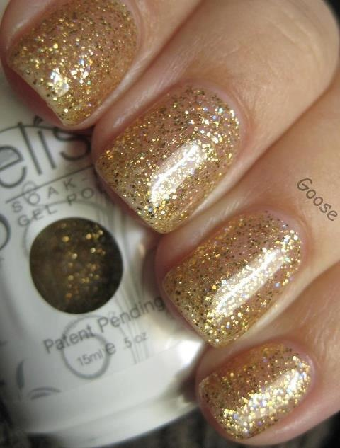 Busy morning at Nail Garden, and it's all about Twinkle:)-The sparkling gold gelish color! GELISH MANCIURES are the best invention ever, long lasting color, shine and no chipping up to 21 days. Brentwood             310.979.0808      , Studio City             818 506.4868      , Burbank             818.566.4319      , Sherman Oaks             818.783.2745       and soon to be in Valencia!