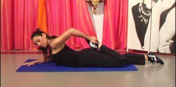 aperçu de la video: Comment faire un échauffement des quadriceps pour le Pole Dance ?