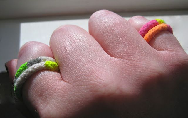 Neon rings how to: Clotheslines Rings, Neon Clotheslines, Diy Neon, Diy Inspiration, Diy Style, Ropes Rings, Neon Ropes, Neon Rings, Diy Ropes