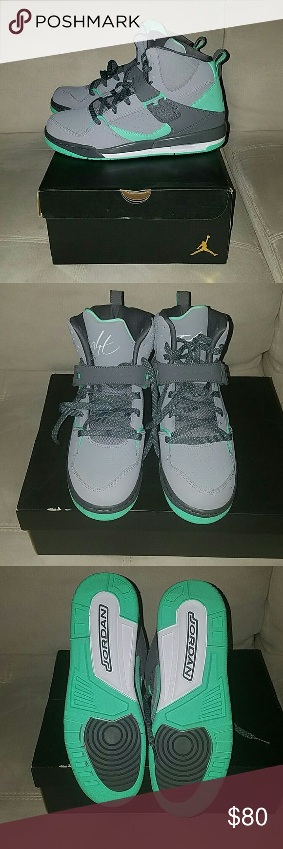 🎒🎒BACK TO SCHOOL SALE 🎒🎒 NWT kids Grey and teal Jordan flight 45 high ip gg size 9.5. Could be for a boy or girl. Brand new Jordan Shoes Sneakers